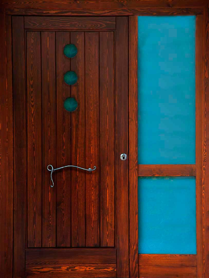 Puertas de exterior interior lacadas de madera en zaragoza for Como lacar una puerta barnizada