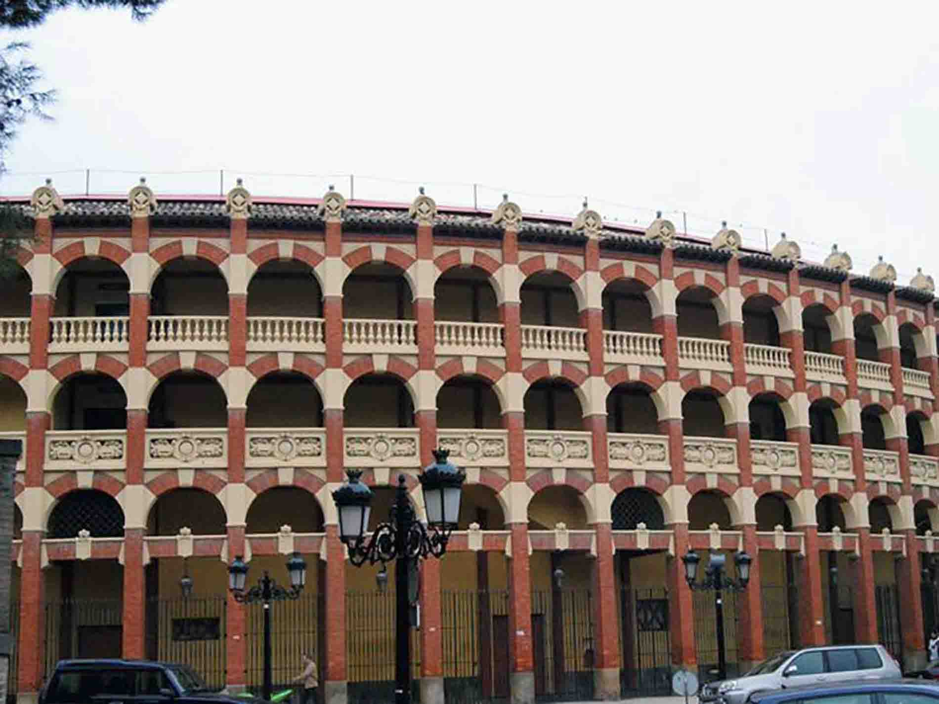 Carpinteria-Destacada-alero-plaza-toros-01